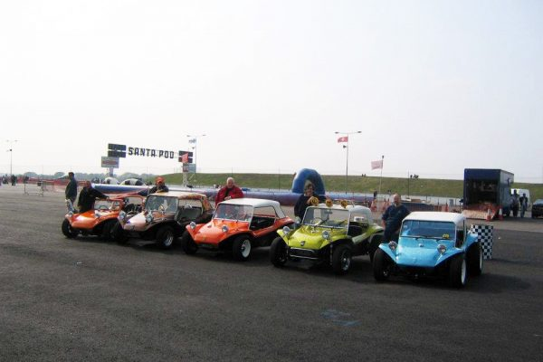 dune-buggy-racing-lineup-santa-pod-1